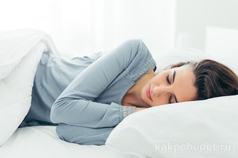 Сон, вода, еда, движение и настойчивость – действенные способы избавления от лишнего жира