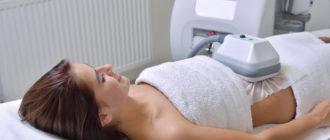 Процедура криолиполиза в косметологическом кабинете